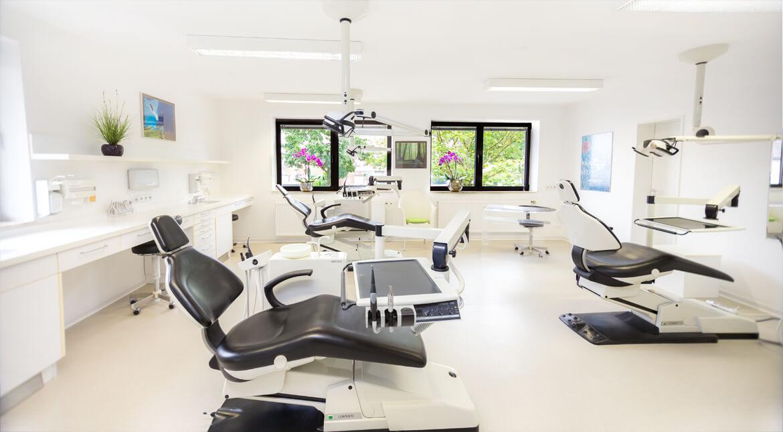 Foto Behandlungsraum Praxis Dr. Magwitz